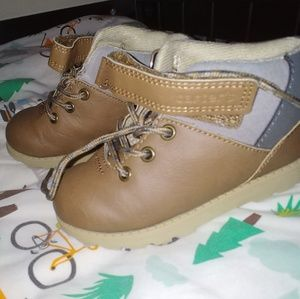Toddler boy's boots